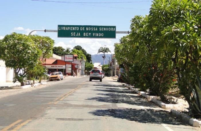 Livramento: Mãe e filho são mantidos em cárcere privado em residência no Bairro Beira Rio