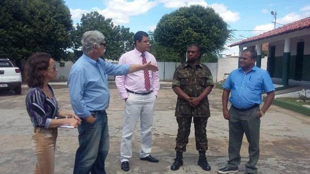 Prefeito de Brumado visita as instalações do Tiro de Guerra 06-024 e garante viabilidade de reforma na instituição