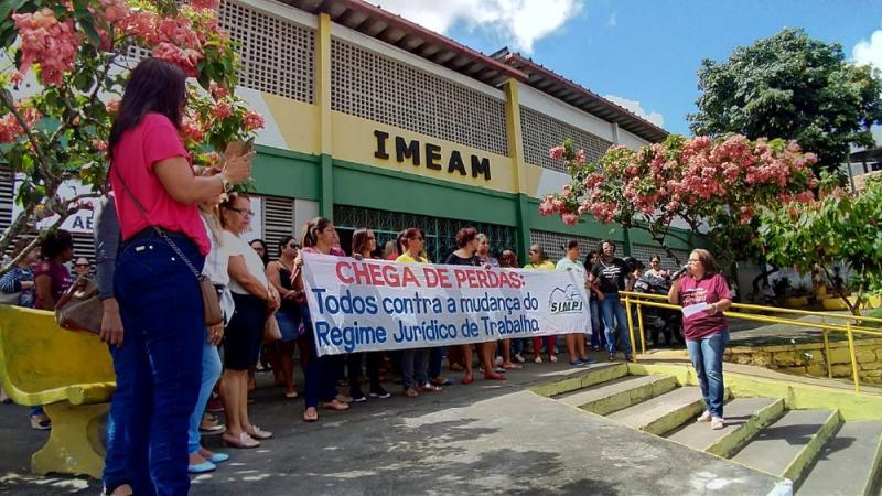 Greve dos professores por reajuste salarial completa um mês em Itabuna