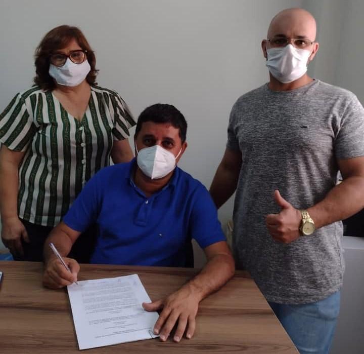 Barra da Estiva: Prefeito assina protocolos para a implantação da Policlínica Regional de Saúde da região