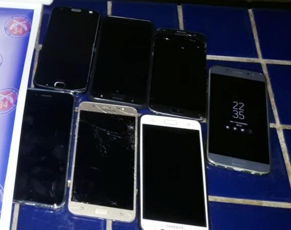 Brumado: Polícia recupera celulares roubados de pessoas na praça do Jurema por bandidos armados