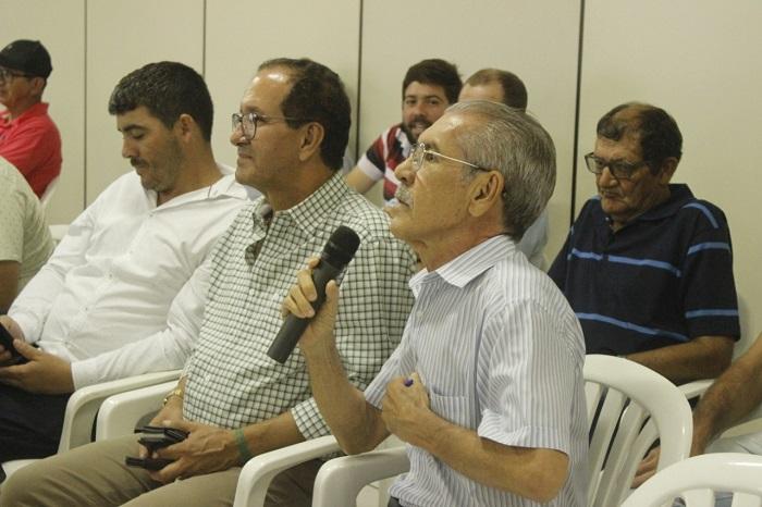 Prefeito de Ituaçu e o Presidente da Câmara de vereadores participam de seminário em Brumado