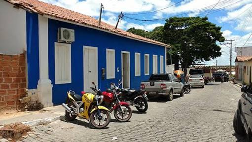 Prefeitura antecipa pagamento de 13º de servidores em Aracatu