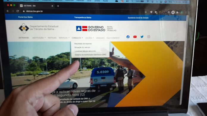 Site do Detran disponibiliza consulta de débitos do licenciamento e localização de veículo removido em blitz