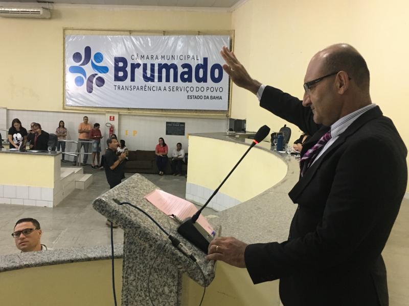 Girson Ledo é empossado novamente vereador na Câmara de Brumado