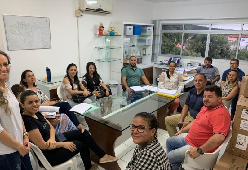 """Brumado: Equipe gestora da SESAU se reúne para montar  """"Plano de Contingenciamento"""" do coronavírus"""