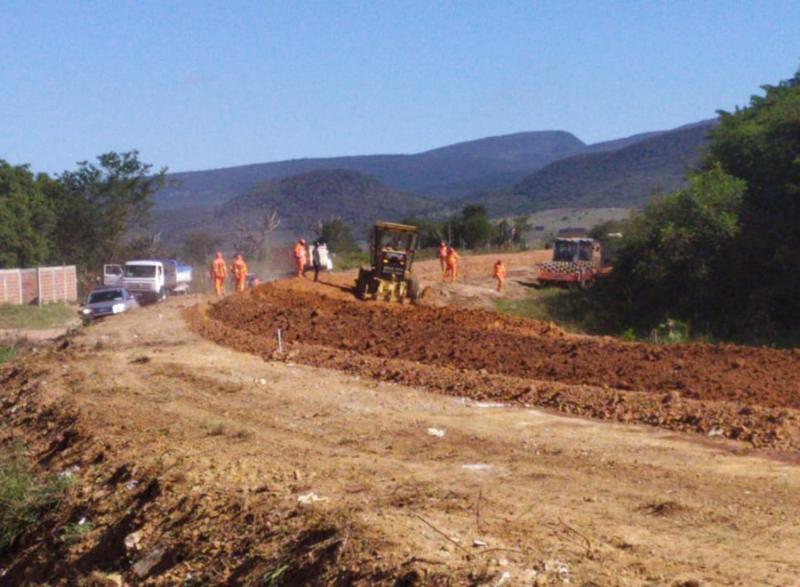 Seguem em ritmo acelerado as obras de recuperação da BA-142, trecho Tanhaçu-Ituaçu