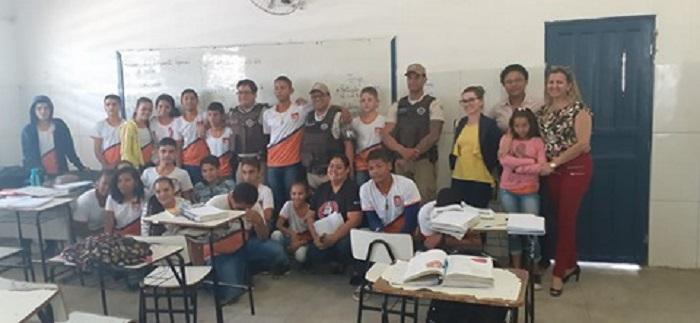 Secretaria de Educação, Polícia Militar e Conselho Tutelar de Brumado firmam parceria em prol da disciplina nas escolas