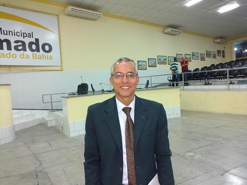 """""""Conselheiro do TCE está fazendo politicagem com sua rádio com o único objetivo de atacar o prefeito de Brumado"""", afirma Vereador Santinho"""