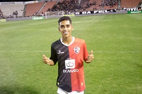 Ex-aluno do projeto Jovem Atleta Cidadão de Guajeru estreia na Copa São Paulo de Futebol Júnior