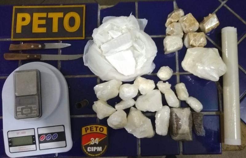 Polícia apreende grande quantidade de drogas no Brisas 3 em Brumado