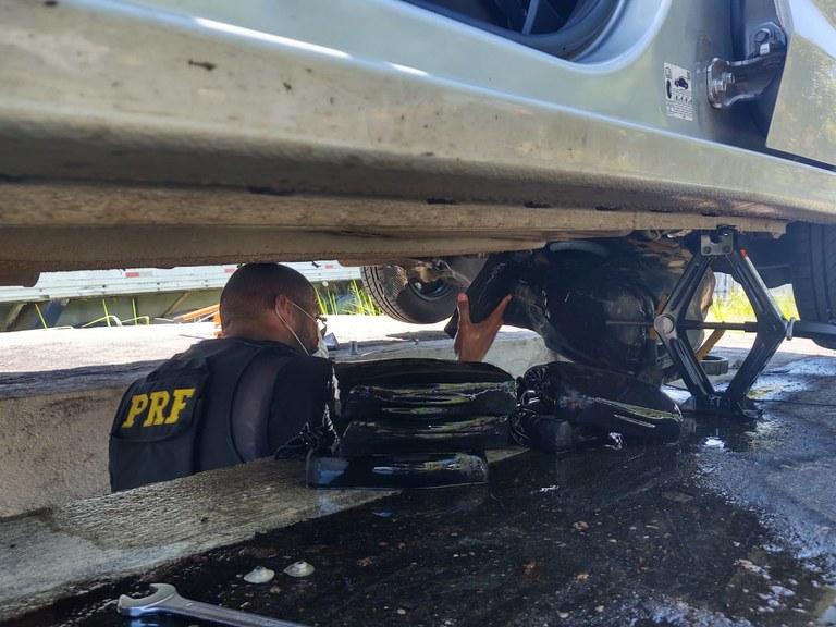 Sudoeste: dupla é presa pela PRF transportando mais de 10kg de cocaína para MG