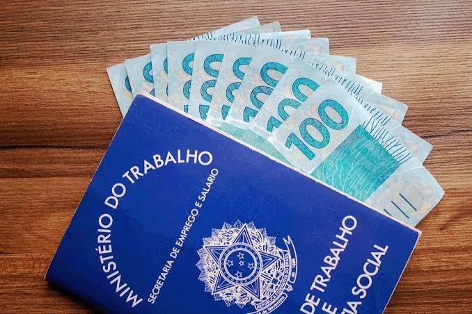 Governo propõe salário mínimo de R$ 1.067 para 2021