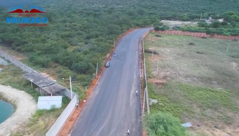 Brumado: Obras de pavimentação da Av. Paulo César Ribeiro estão na reta final