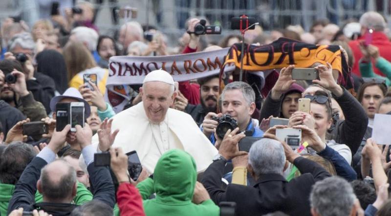 """Papa admite que se equivocou """"gravemente"""" ao subestimar os abusos de menores no Chile"""