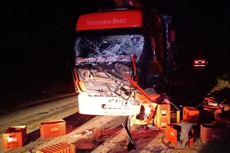 Jovem de 26 anos morre após colisão frontal envolvendo caminhões na BA-026, entre Sussuarana e Contendas do Sincorá