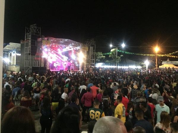 Fann Estourado se apresenta na festa de Aniversário de Brumado e se destaca no evento