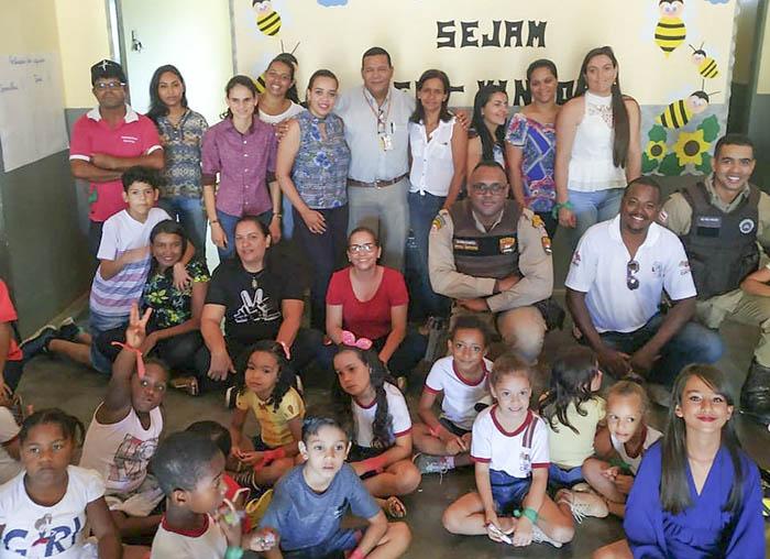 PM  faz participação no projeto Família na Escola realizada em comunidade de Caetité