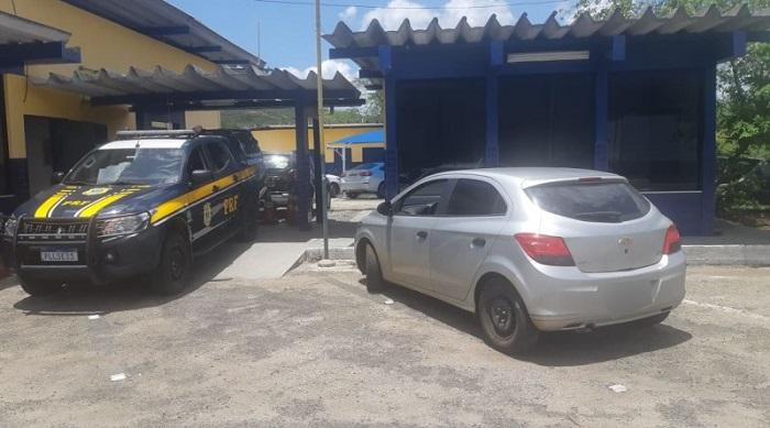 motorista de aplicativo é flagrado pela PRF com veículo furtado  em Jequié