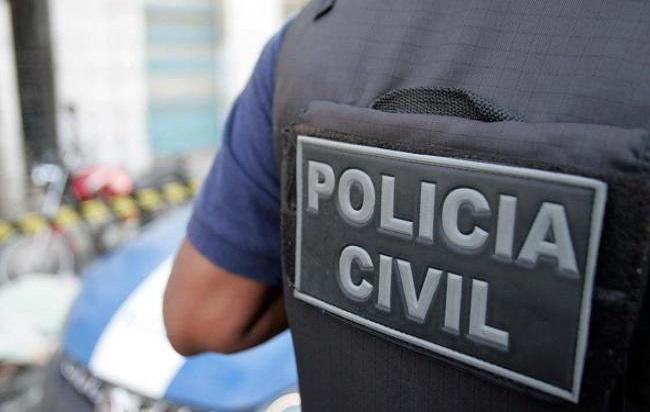 Homem é preso na Bahia por estuprar a própria filha; mãe denunciou o crime