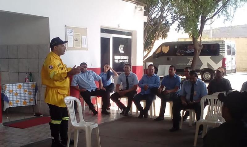 Brumado: Empresa de transporte recebe palestra sobre a Semana do Trânsito