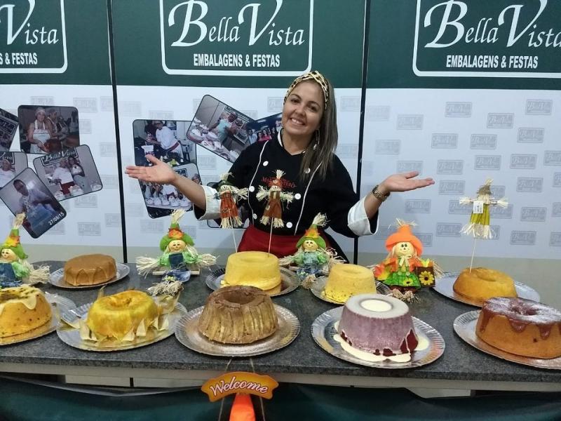 Bella Vista Embalagens promove curso de Caseirinhos com a instrutora Madja Sotero