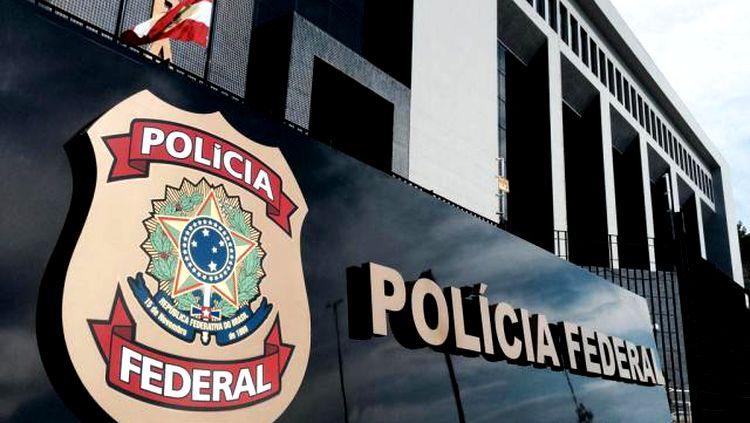 PF instaura inquérito para apurar ataque contra Bolsonaro