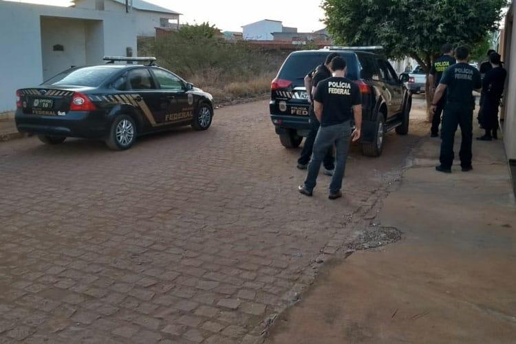 Polícia Federal prende duas pessoas por corrupção ativa e organização criminosa em Brumado