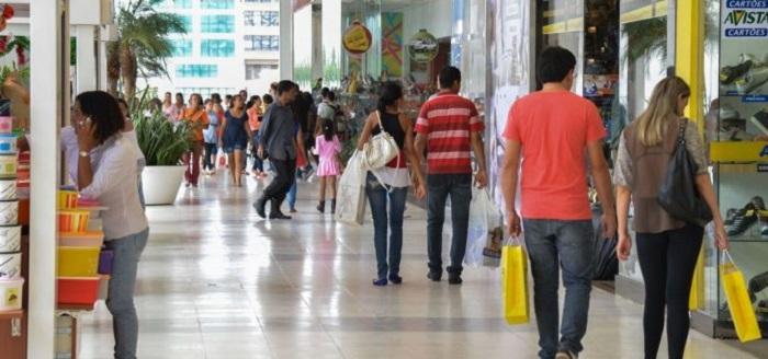 Vendas no mês do Natal devem crescer 3,6% na Bahia