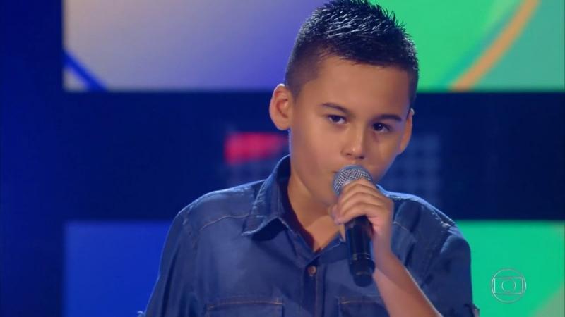 Maetinguense dá show no The Voice Kids e é selecionado nas audições às cegas