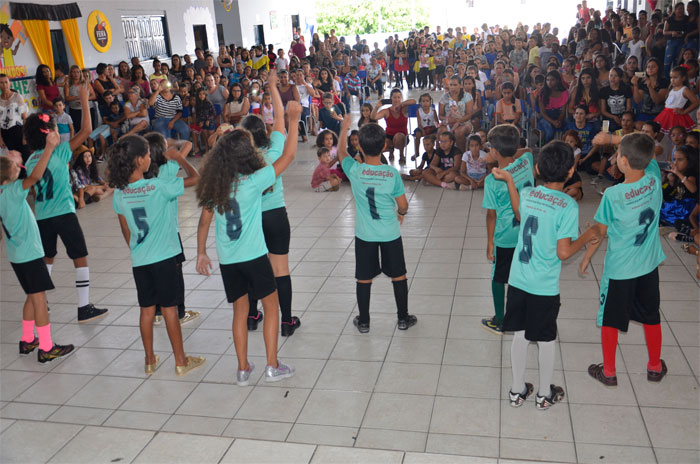 Secretaria de Educação de Malhada de Pedras realiza culminância de Projeto Cultural, Leitura e Consciência Negra; veja o vídeo