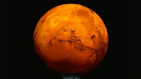 Marte mais brilhante e eclipse poderão ser vistos nesta sexta