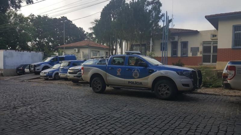 Operação Aqualtune: Polícia Civil cumpre mandados em Ibitira e Dom Basílio contra violência doméstica
