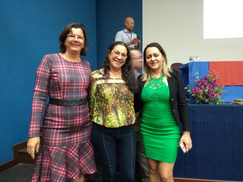 Secretária de Finanças de Malhada de Pedras participa de evento promovido pelo TCM em Caetité