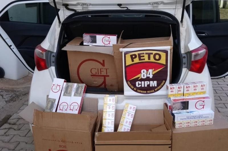 Homem é preso em flagrante com quase 1 milhão de cigarros e armas dentro de casa, no oeste da Bahia