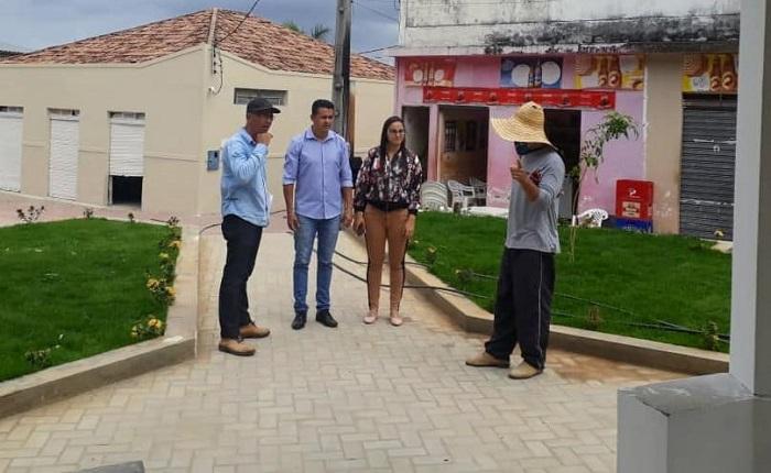 Guajeru: Prefeito Gil Rocha realiza vistorias em obras do centro da cidade