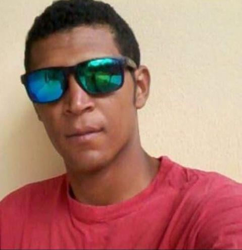 Ituaçu: Homem é morto a tiros por homens encapuzados no bairro Avenida Brasil
