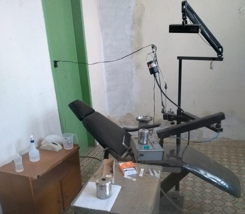 Dois homens são presos por praticarem procedimentos odontológicos ilegais há 10 anos em Urandi