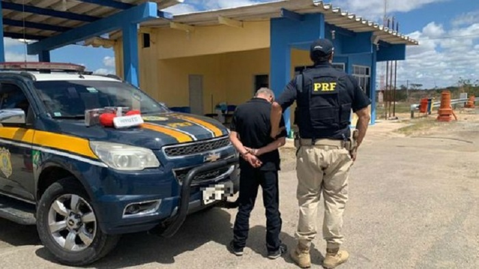 Poções: Motorista é preso com mais de 5kg de cocaína escondidos em portas de carro