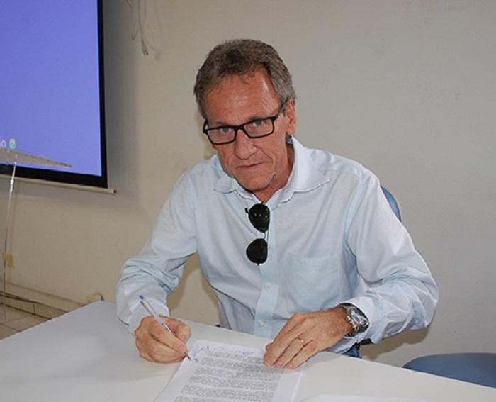 Dom Basílio: Prefeito Roberval Meira é multado pelo TCM por irregularidades nas contas do exercício de 2018