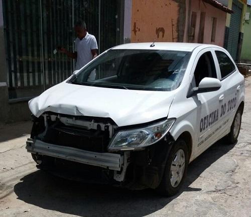 Acidente é registrado na Av. Coronel Tibério Meira em Brumado