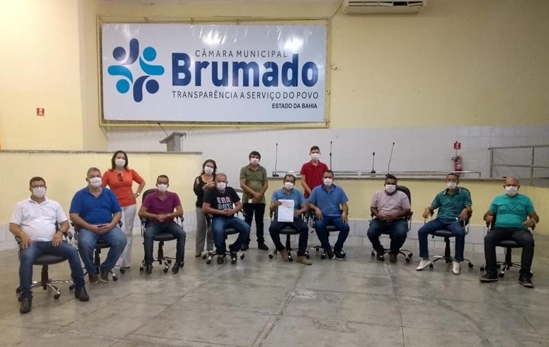 Brumado: Em ação conjunta dos 13 vereadores Câmara Municipal repassa R$ 100 mil reais à Prefeitura para compra de cestas básicas que deverão serem distribuídas às famílias carentes