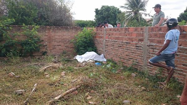 Jovem com problemas mentais morre após cair de muro em Malhada de pedras