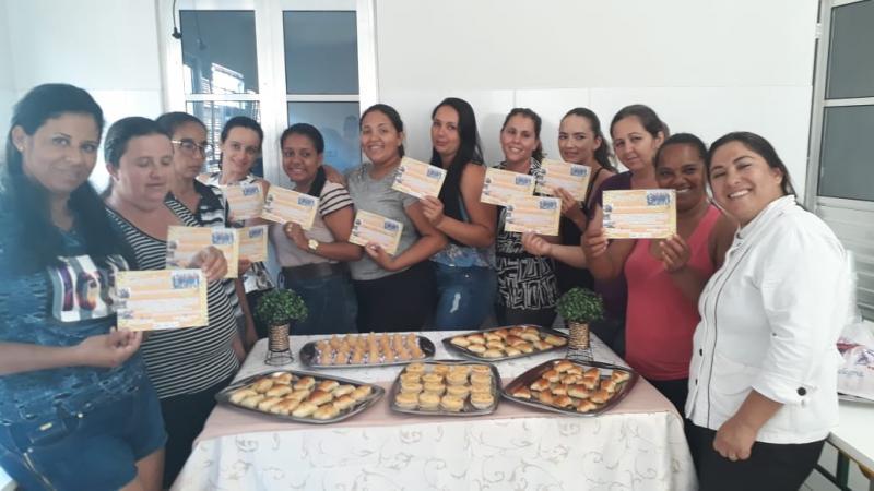 Cozinha comunitária de Malhada de Pedras conclui curso de Salgados e tem aprovação total das participantes