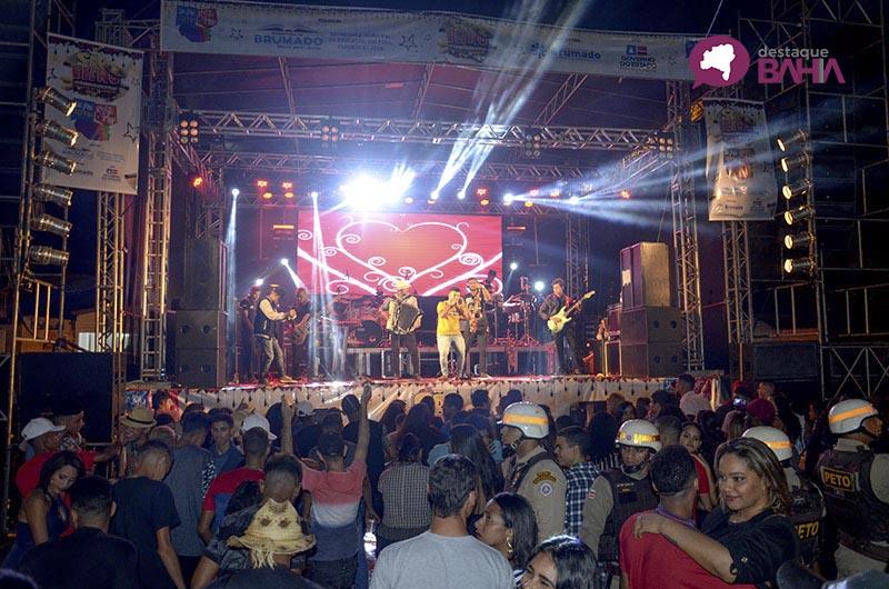 São Pedro dos Olhos D'água registra grande público na primeira noite; veja as fotos