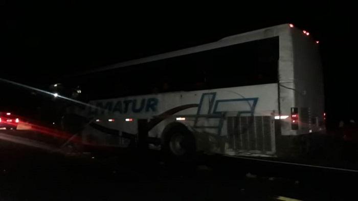 Faculdade emite nota de pesar após acidente com alunos na BR-030 que retornavam de Guanambi para Caetité