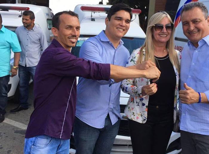Governador Rui Costa beneficia Malhada de Pedras com ambulância 0km