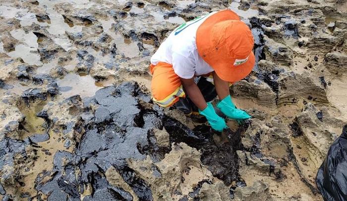 Governo pede esclarecimentos a 11 países sobre origem do óleo