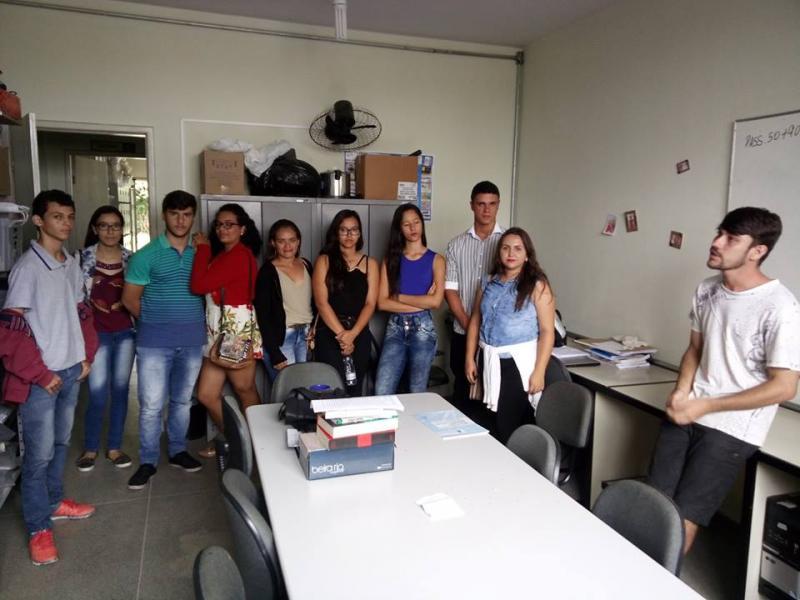 Estudantes do curso Pré-Vestibular  (UPT) de Aracatu visitam a UESB