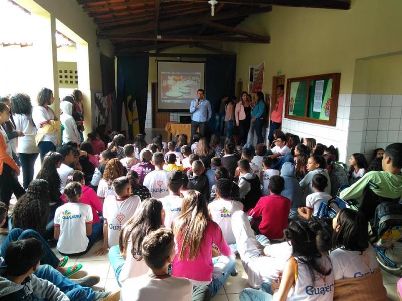 Apresentação do projeto de resgate da Fanfarra Municipal de Guajeru é acompanhada de perto pelo Prefeito Gil Rocha